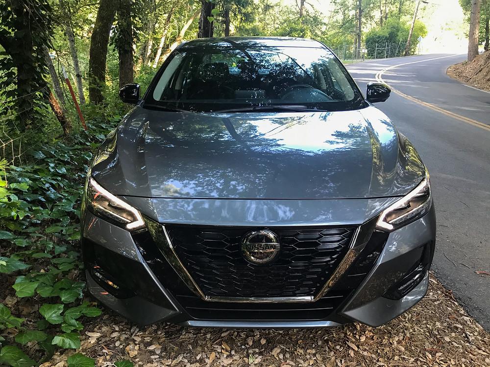 2020 Nissan Sentra 2.0 SR front view
