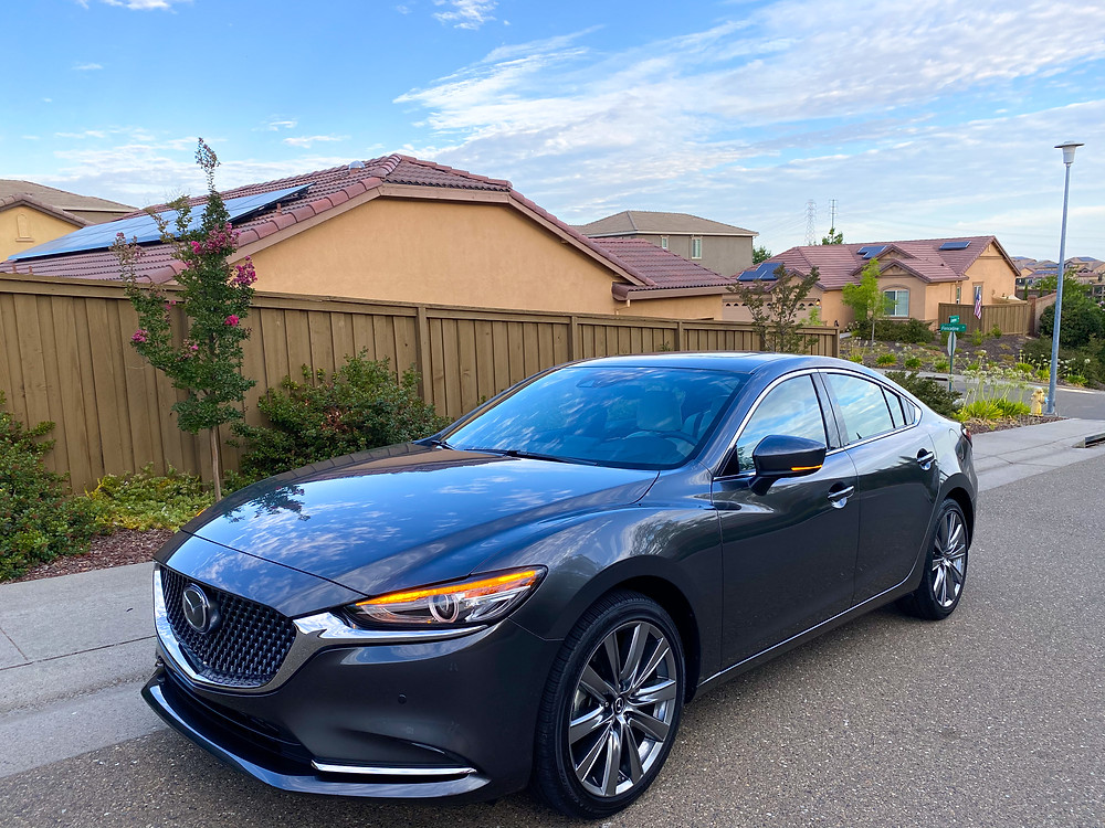 2020 Mazda 6 Signature front 3/4 view