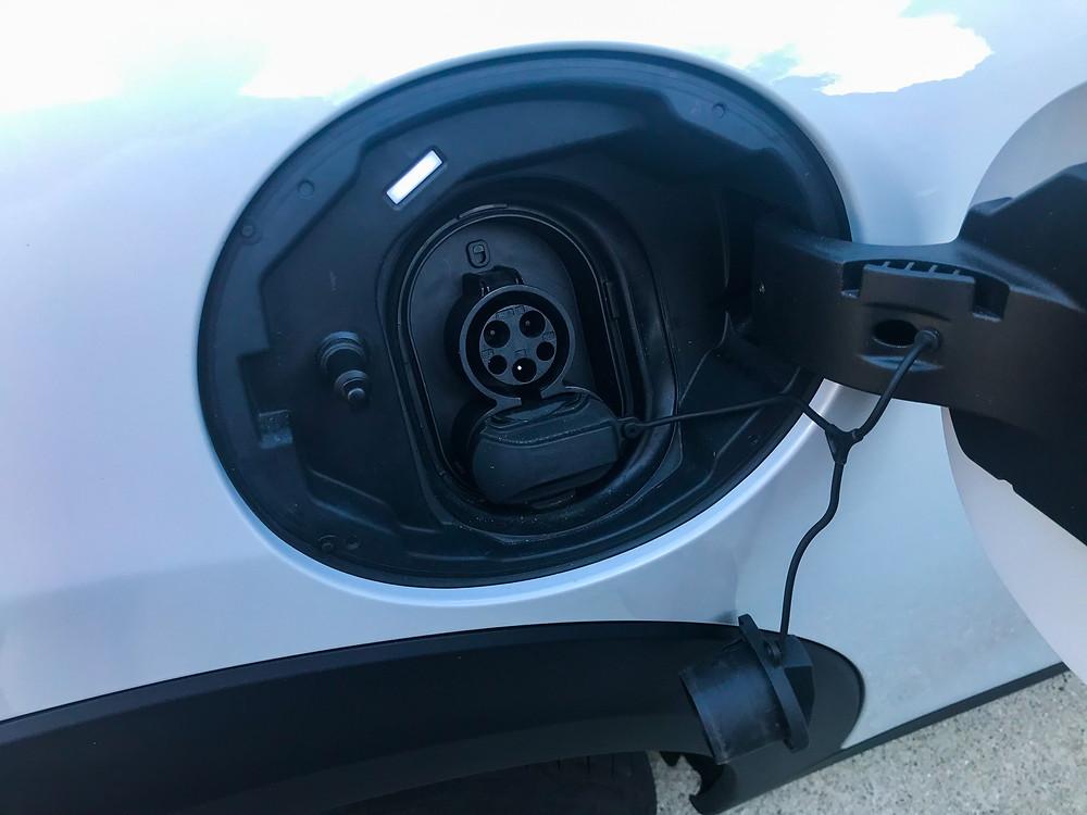 2020 Mini Cooper SE open charging port