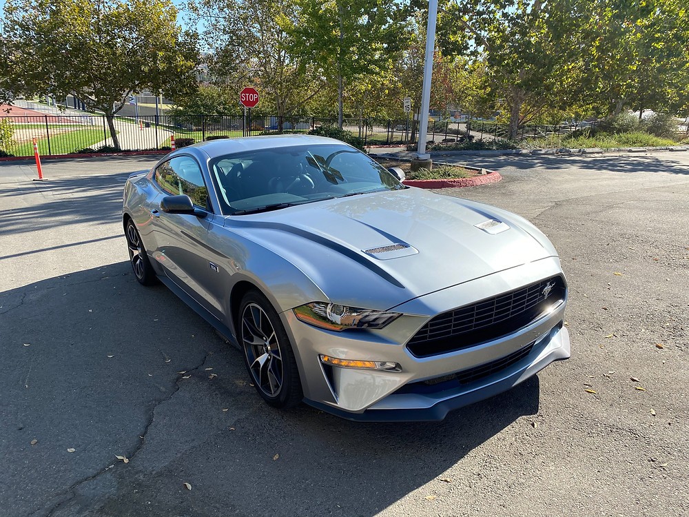 2020 Ford Mustang 2.3L High Performance Ecoboost front 3/4 view