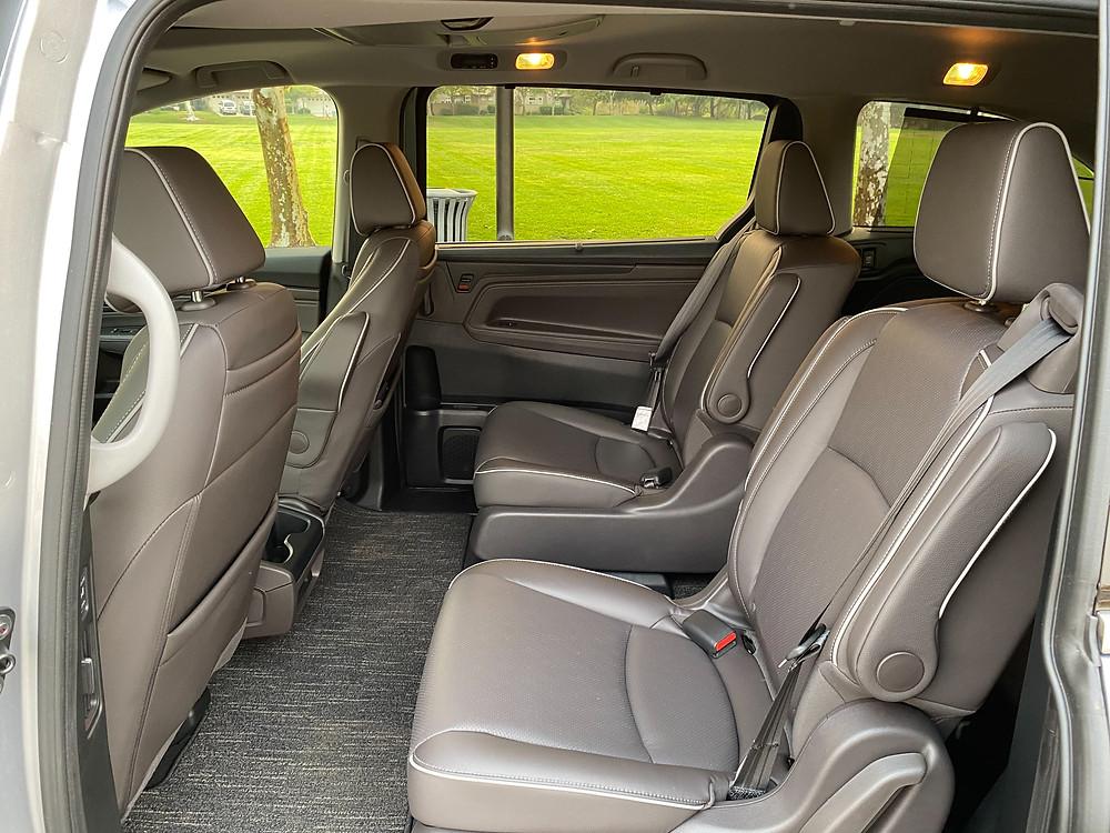 2021 Honda Odyssey second-row seats