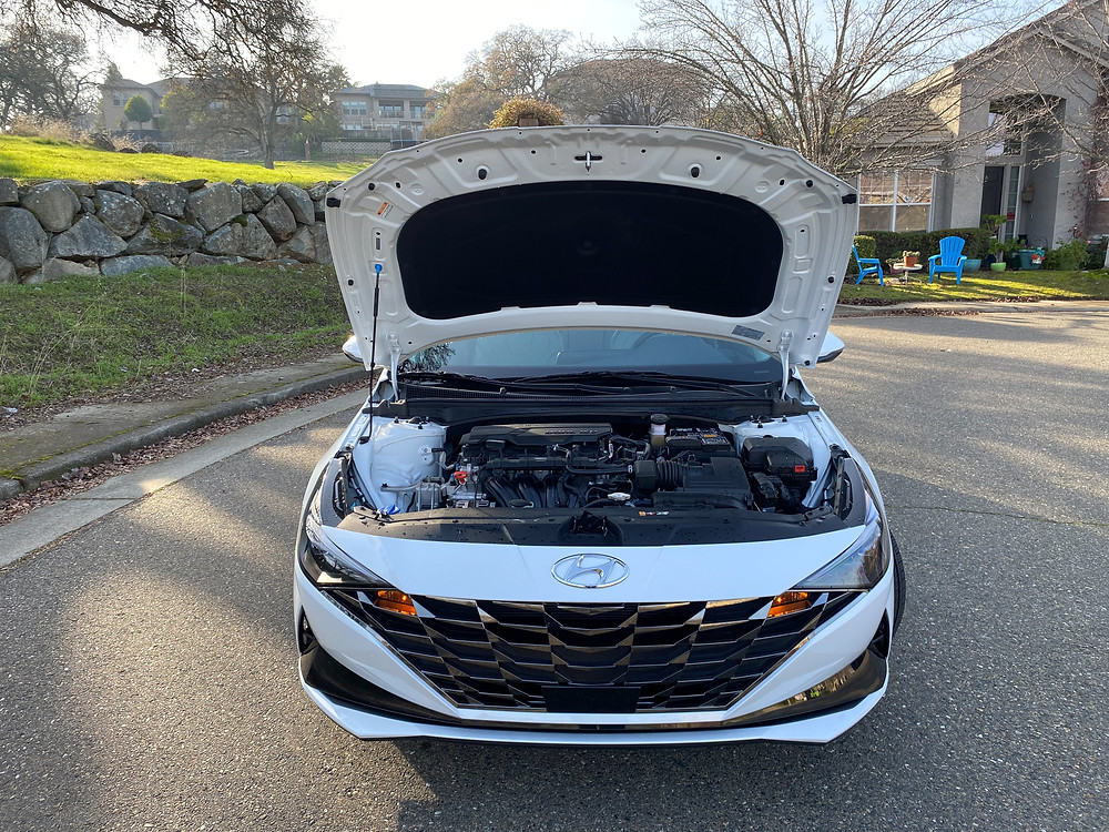 2021 Hyundai Elantra hood up