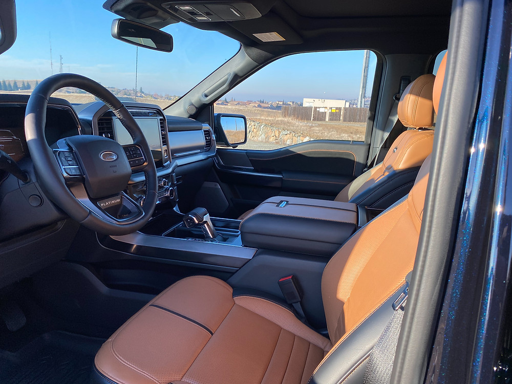 2021 Ford F-150 4X4 Supercrew front seats