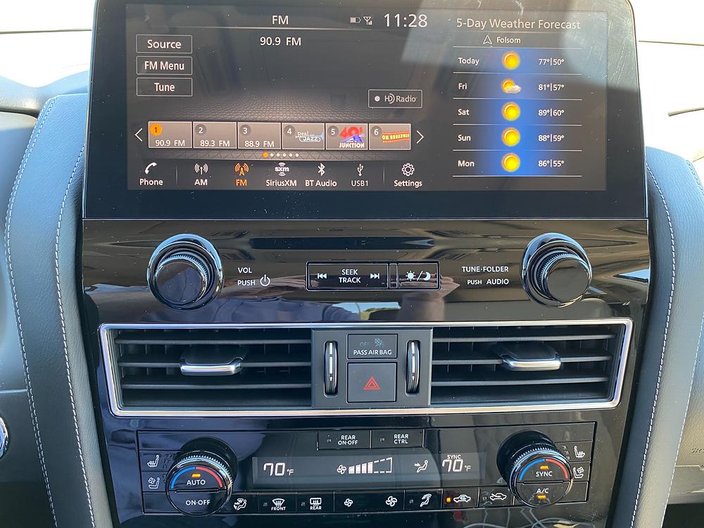 2021 Nissan Armada Platinum 4WD infotainment and HVAC