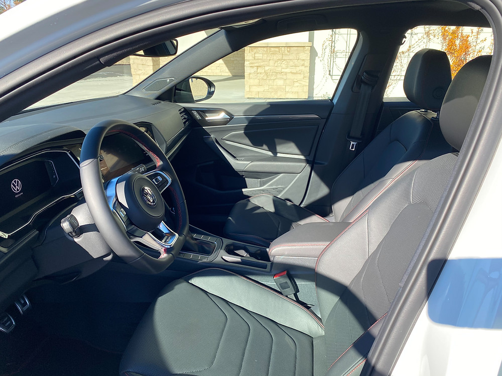 2021 Volkswagen Jetta GLI Autobahn front seats
