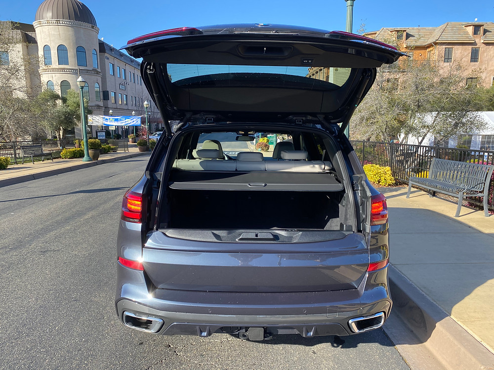 2021 BMW X5 xDrive45e rear liftgate open