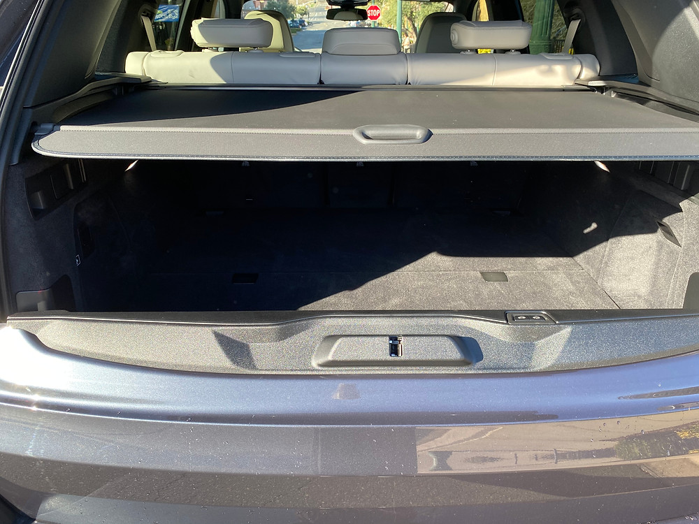 2021 BMW X5 xDrive45e cargo area