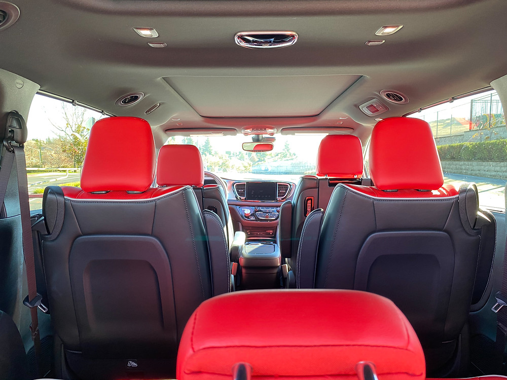 2021 Chrysler Pacifica Hybrid Limited Red S interior