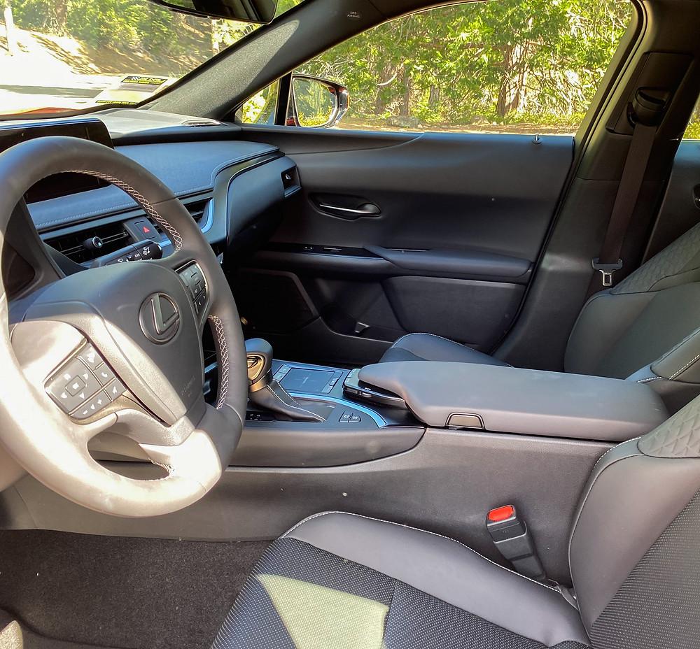 2020 Lexus UX 250h front seats