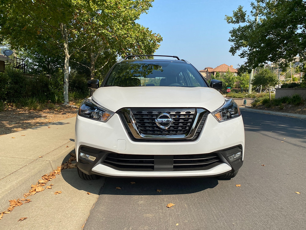2020 Nissan Kicks SR front view