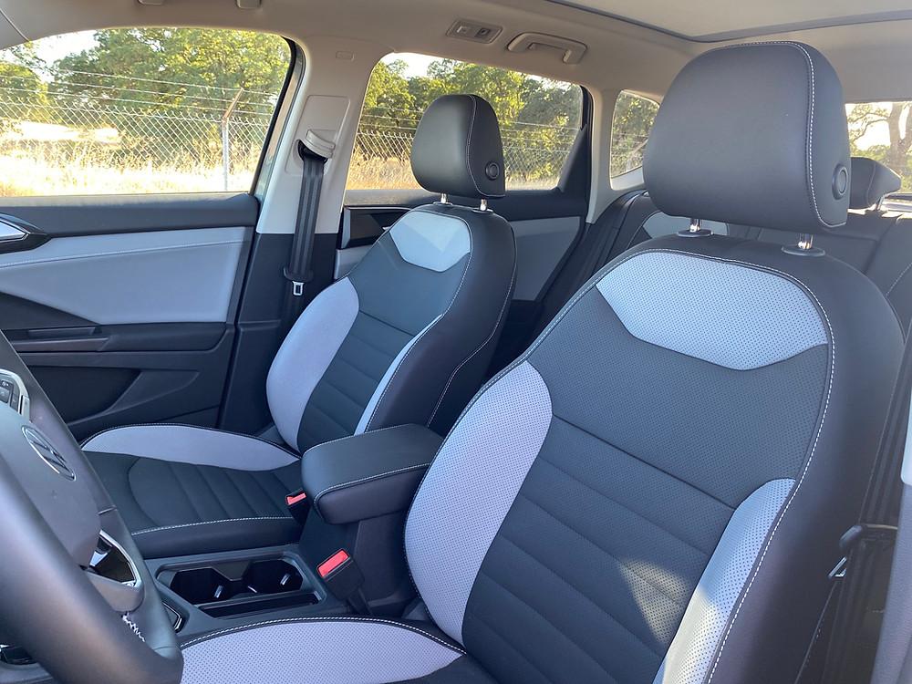 2022 Volkswagen Taos 1.5T SEL front seat detail