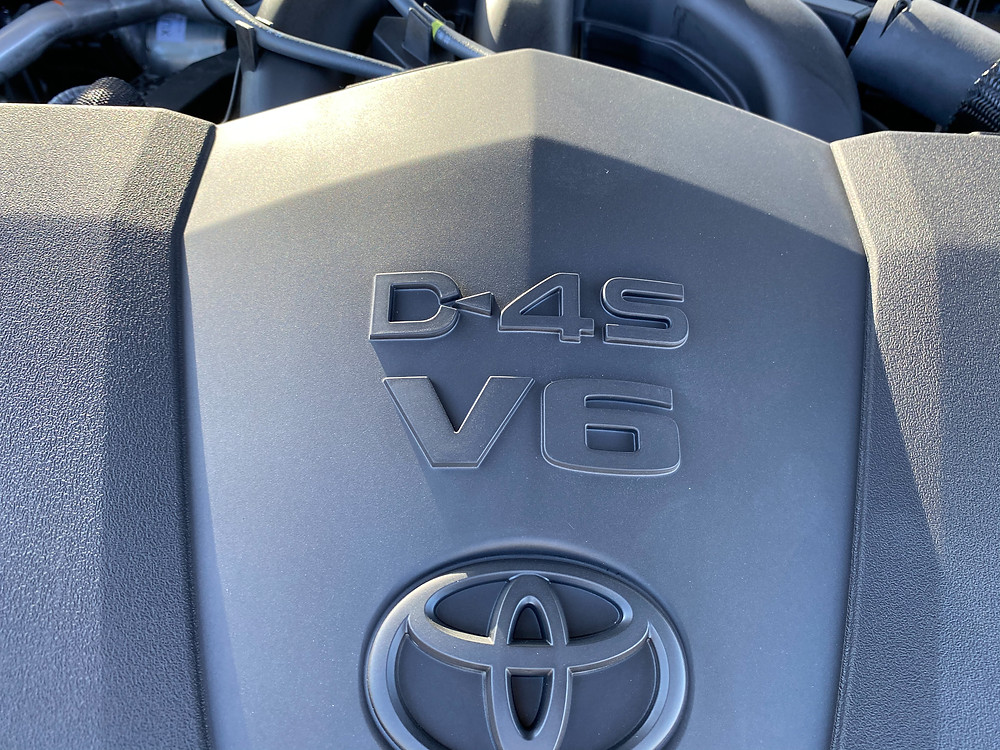 Toyota Camry V6 TRD engine detail