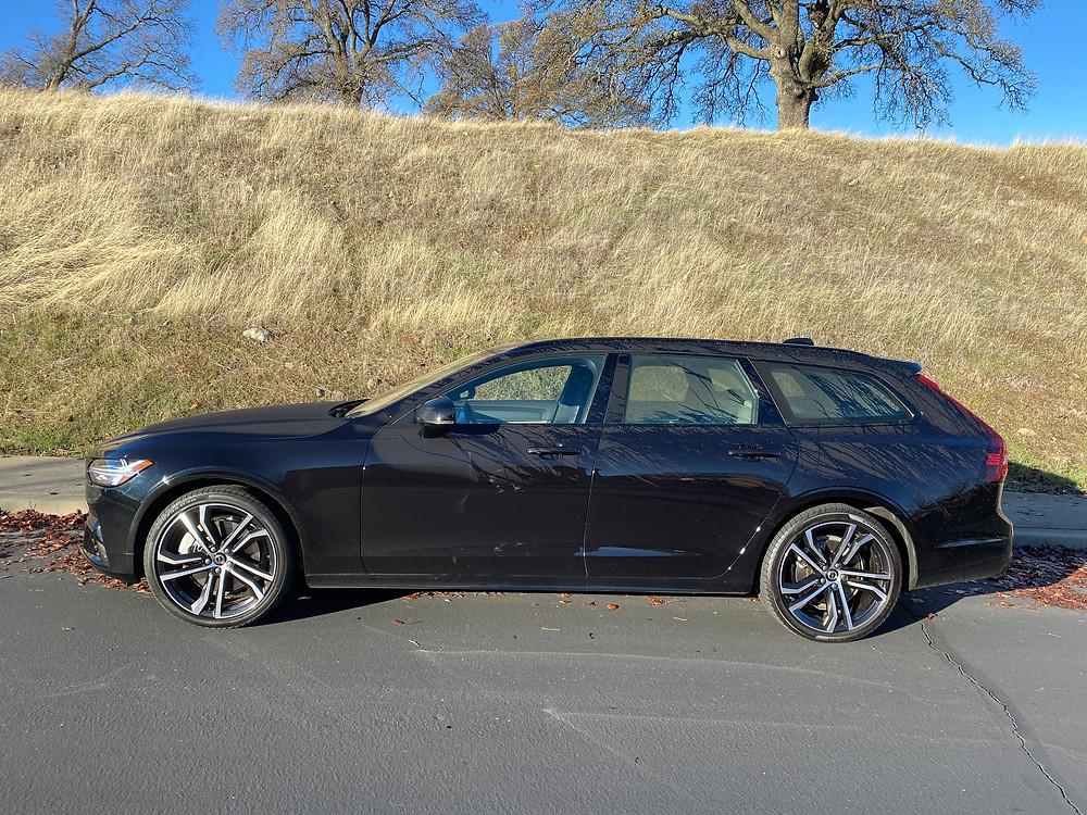 2021 Volvo V90 T6 AWD R-Design side view