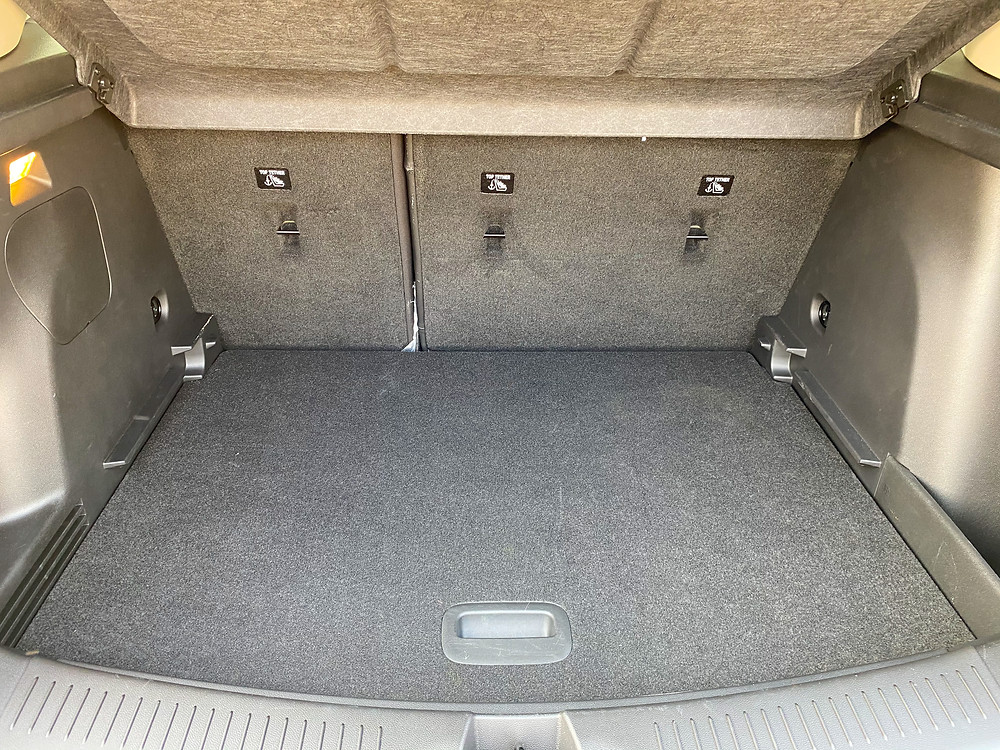 2020 Buick Encore GX Essence cargo area