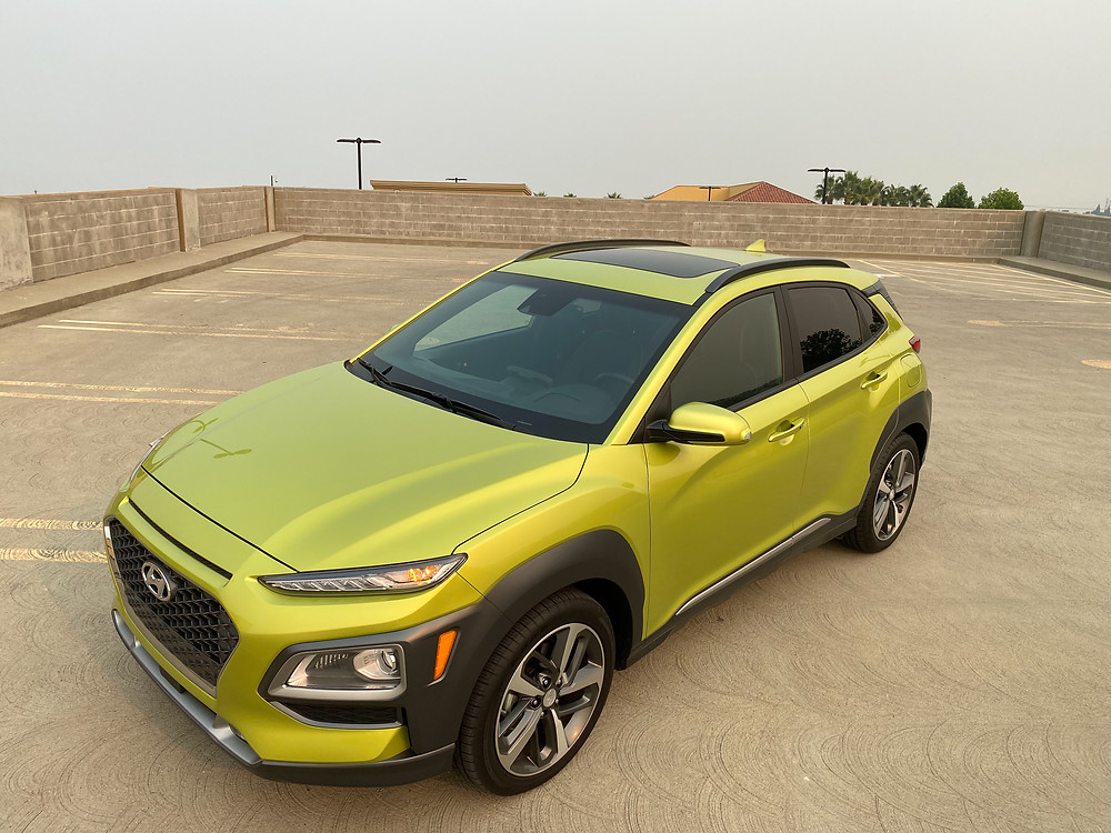 2020 Hyundai Kona Ultimate FWD front 3/4 view