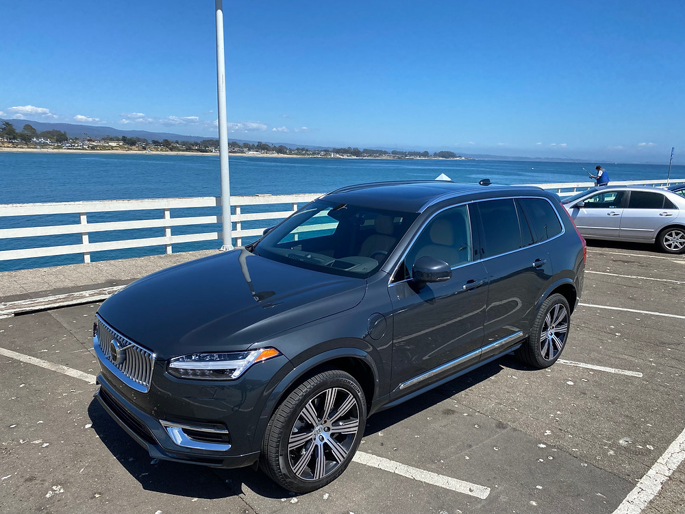 2021 Volvo XC90 Recharge T8 Inscription front 3/4 view