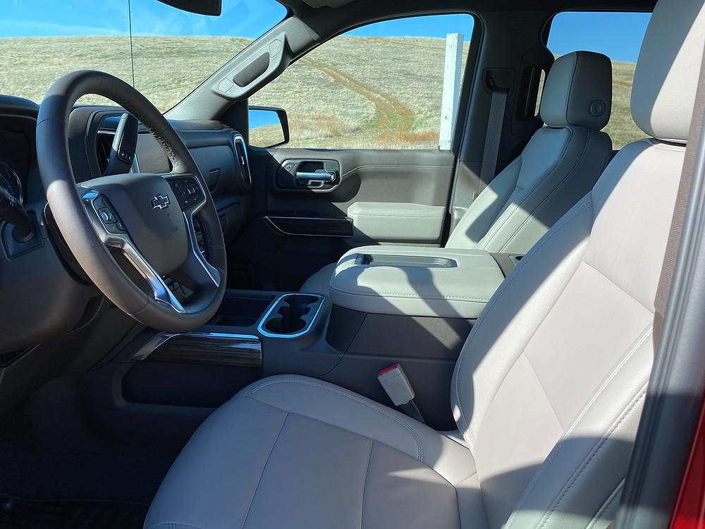 2021 Chevrolet Silverado Crew RST 4WD front seats