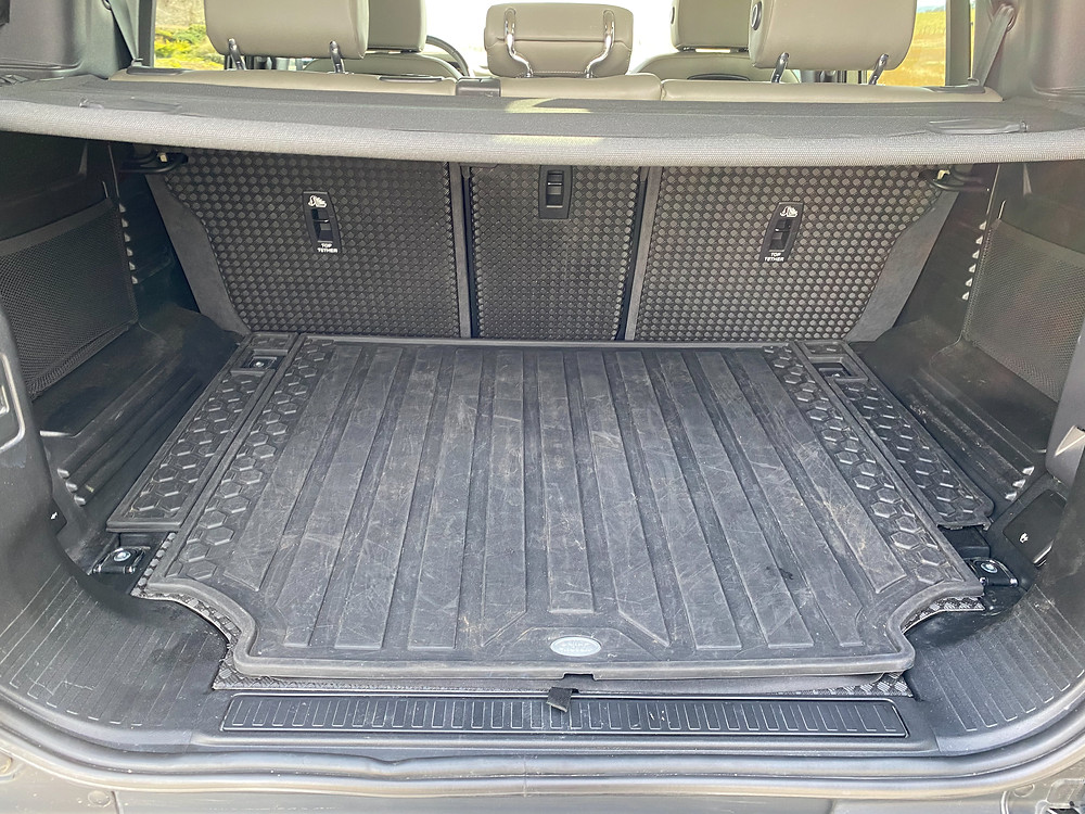 2020 Land Rover Defender 110 SE cargo area