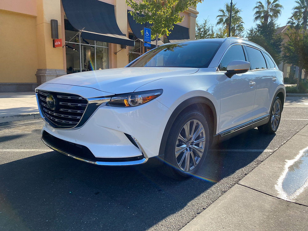 2021 Mazda CX0-9 Signature AWD front 3/4 view