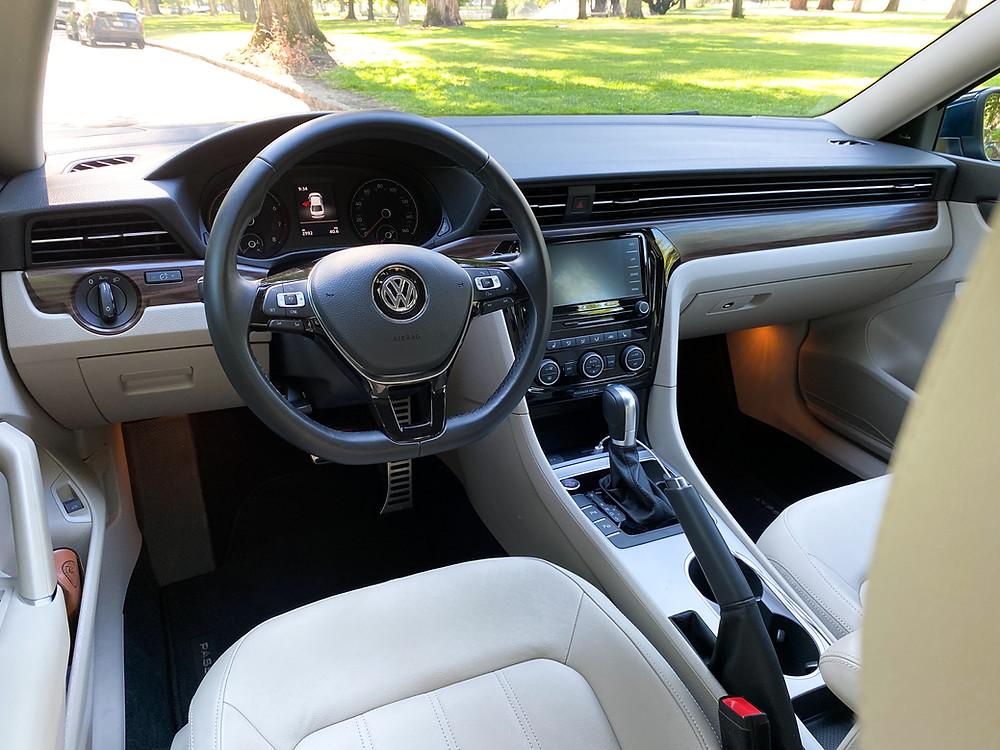 2020 Volkswagen Passat 2.0T SEL instrument panel