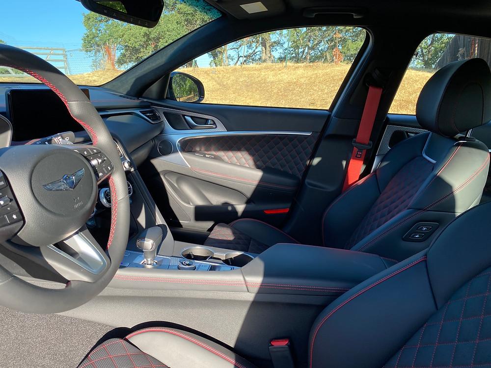 2022 Genesis G70 RWD 3.3T Sport Prestige front seats