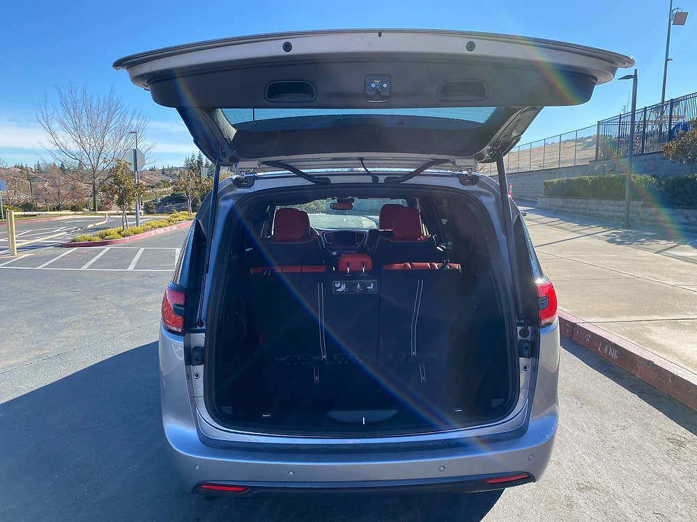 2021 Chrysler Pacifica Hybrid liftgate up