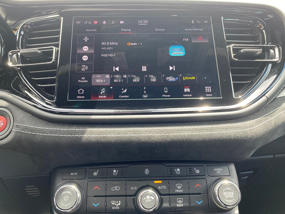 2021 Dodge Durango SRT Hellcat AWD infotainment and HVAC