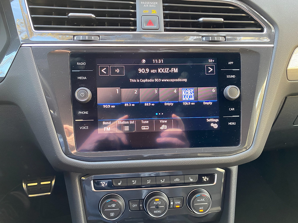 2020 Volkswagen Tiguan 2.0T SE R-Line Black infotainment and HVAC