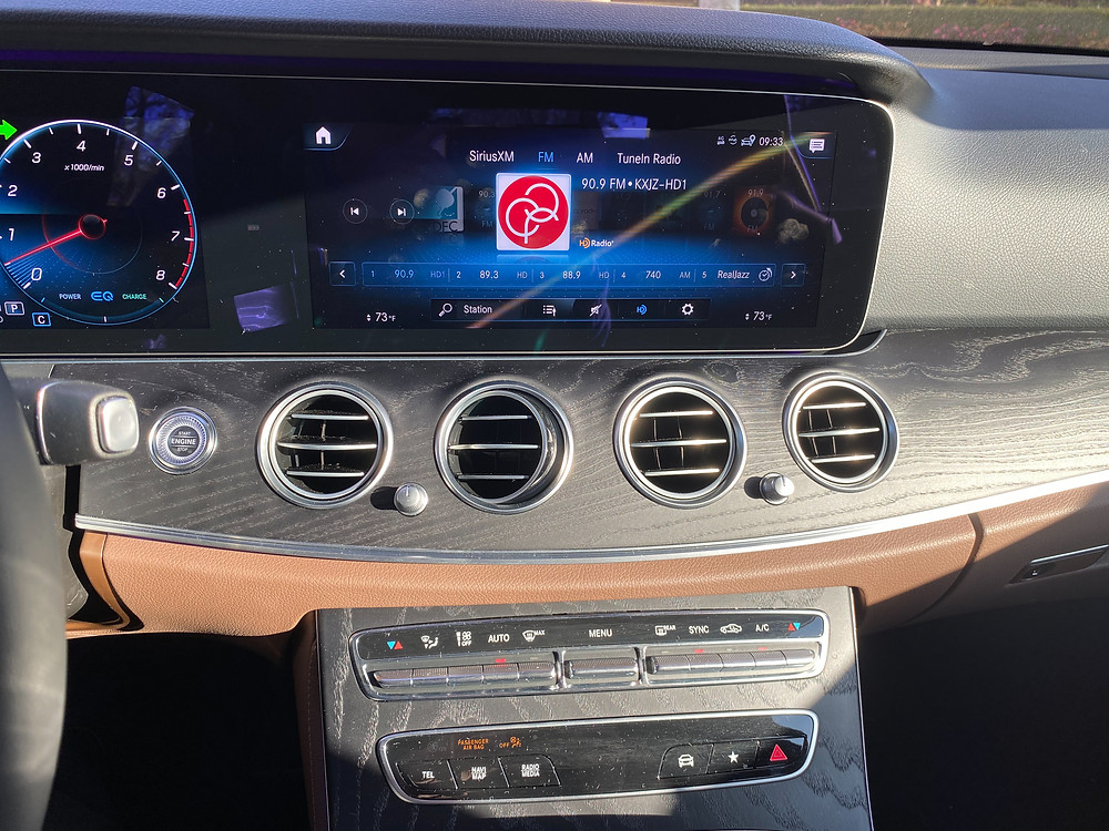 2021 Mercedes-Benz E450 4MATIC Sedan infotainment and HVAC