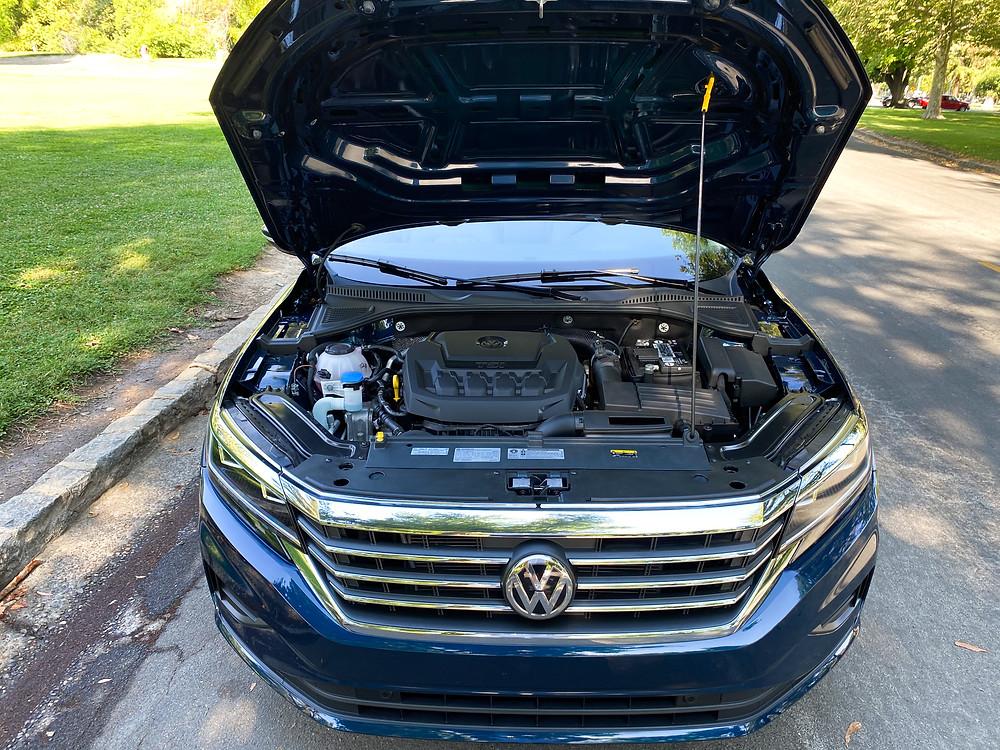 2020 Volkswagen Passat 2.0T SEL hood up