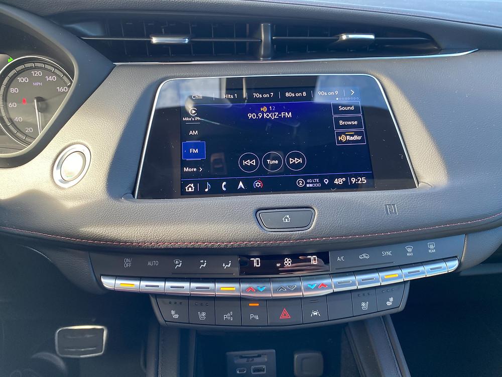 2021 Cadillac XT4 infotainment and HVAC