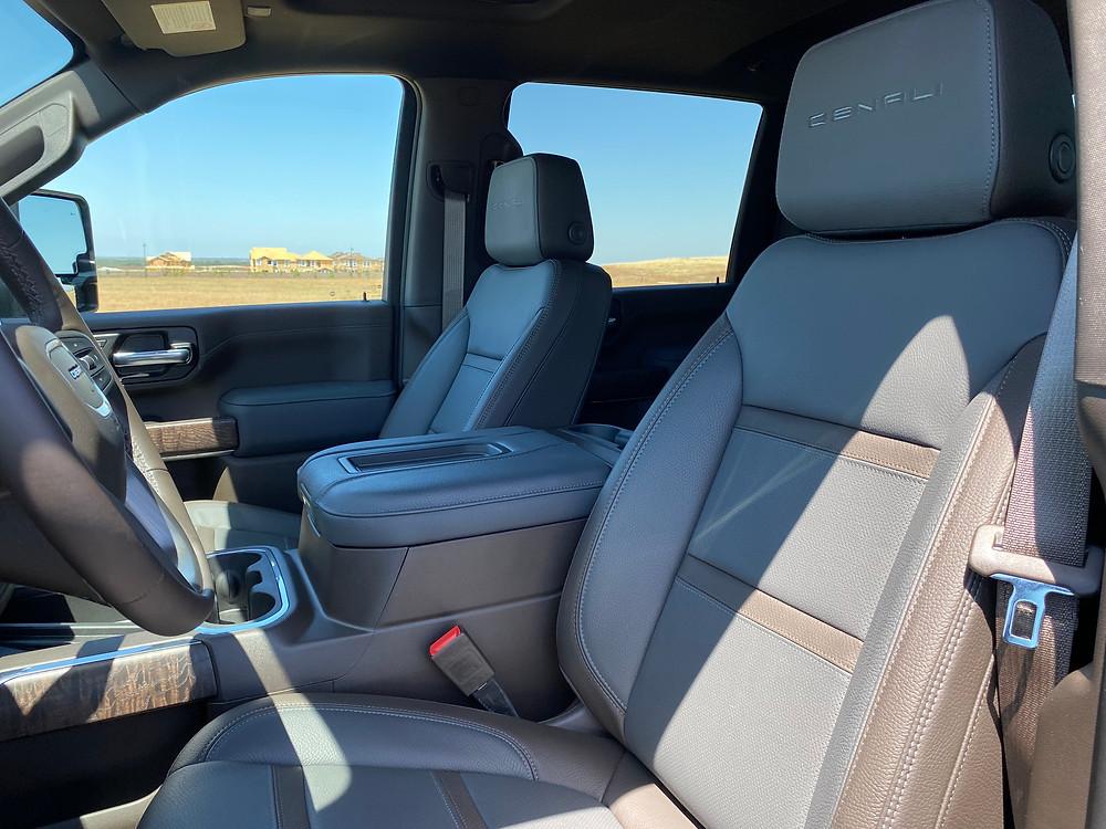 2021 GMC Sierra 2500 Denali Crew Cab 4WD front seat detail