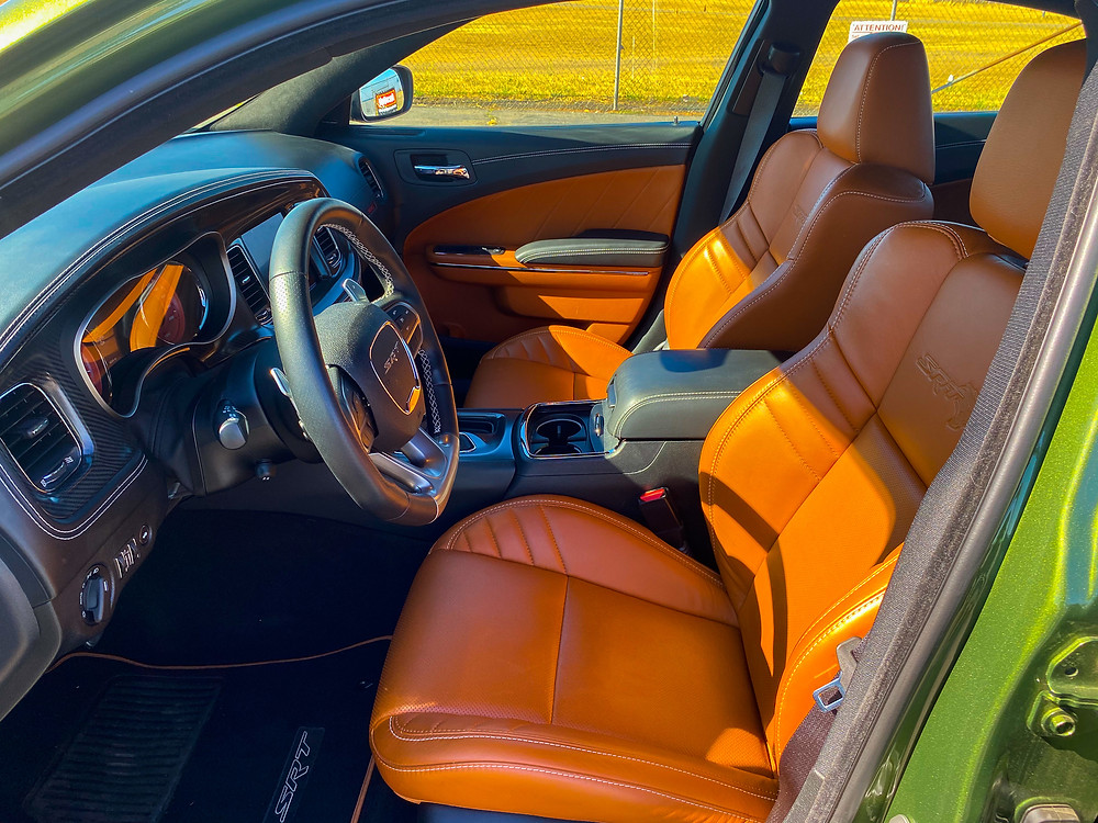 2020 Dodge Charger SRT Hellcat Widebody front seats