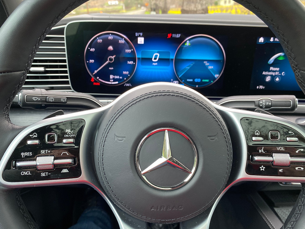 2021 Mercedes-Maybach GLS 600 4MATIC steering wheel and gauge cluster