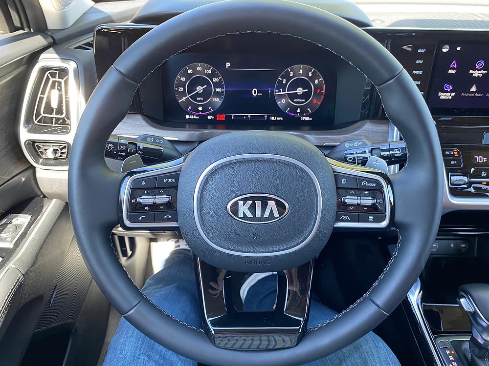 2021 Kia Sorento X-Line AWD steering wheel and gauge cluster