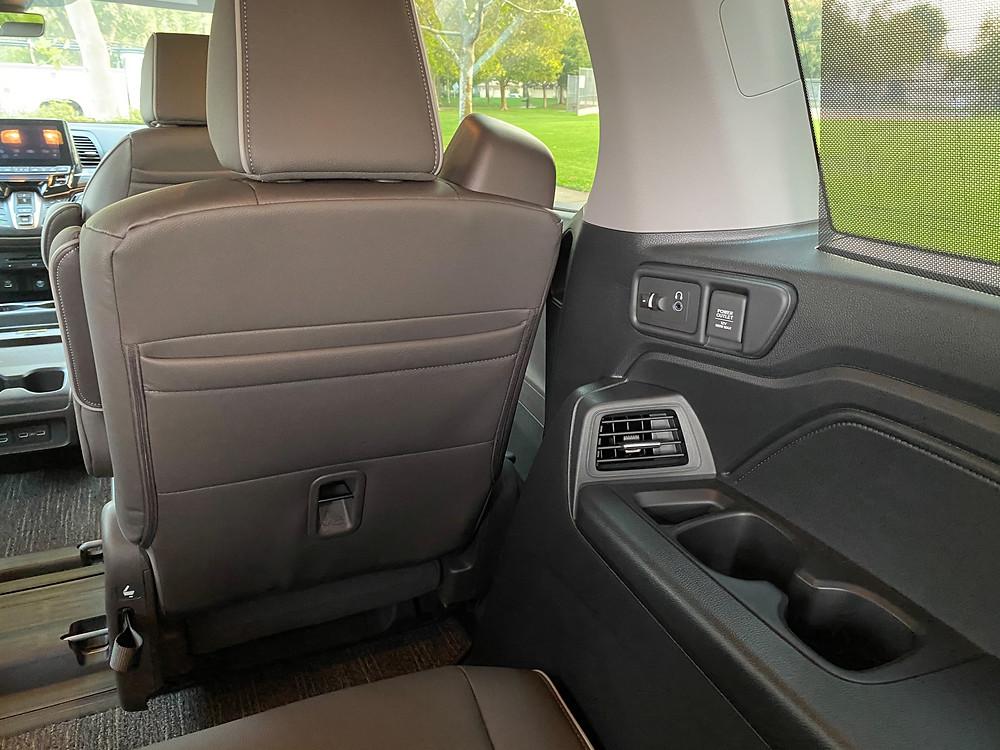2021 Honda Odyssey Elite third-row USB/headphone jacks