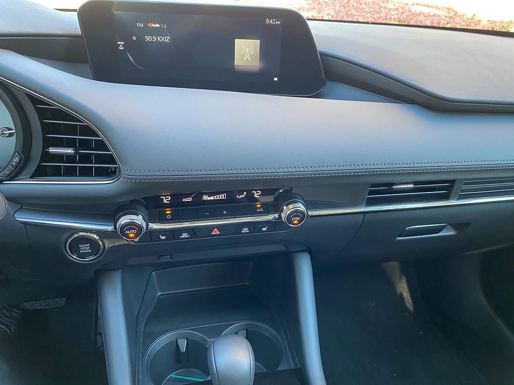 2021 Mazda 3 2.5 Turbo AWD infotainment and HVAC