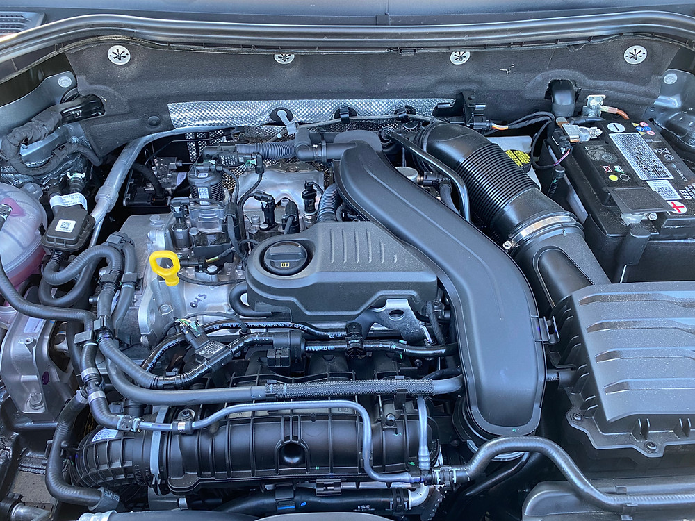 2022 Volkswagen Taos 1.5T SEL engine