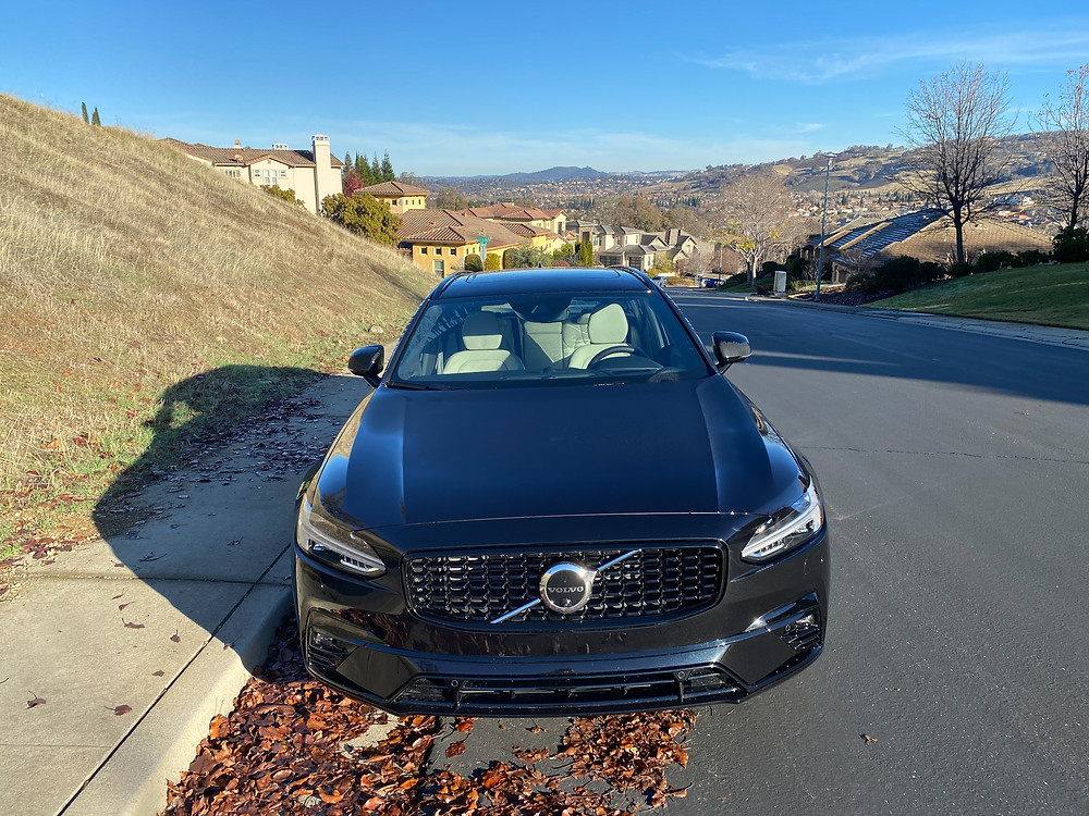 2021 Volvo V90 T6 AWD R-Design front view