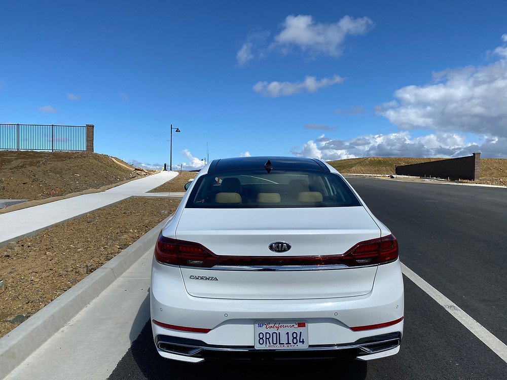 2020 Kia Cadenza Limited rear view