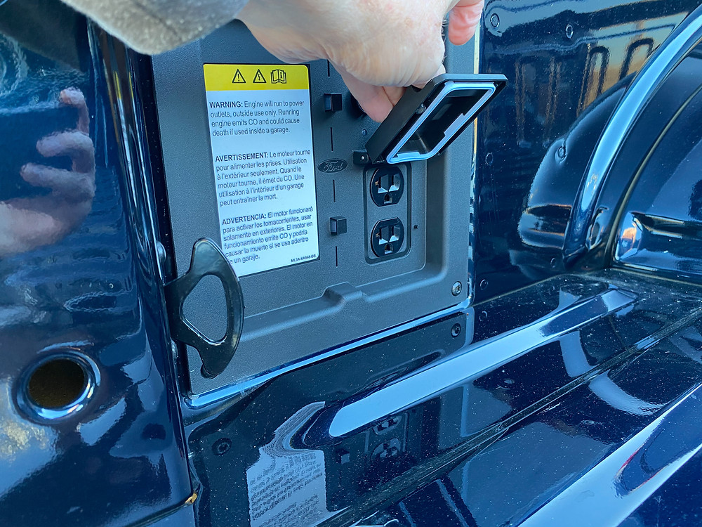 2021 Ford F-150 4X4 Supercrew power outlet in bed