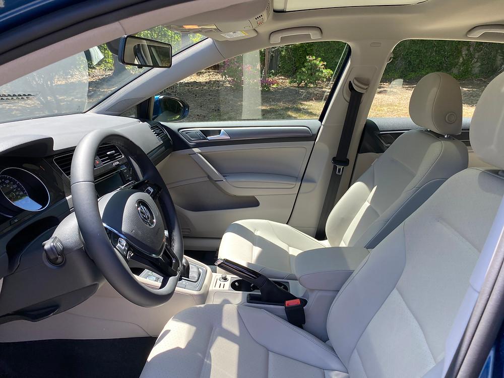 2021 Volkswagen Golf TSI front seats