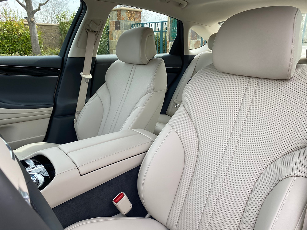 2021 Genesis G80 2.5T Standard front seat detail