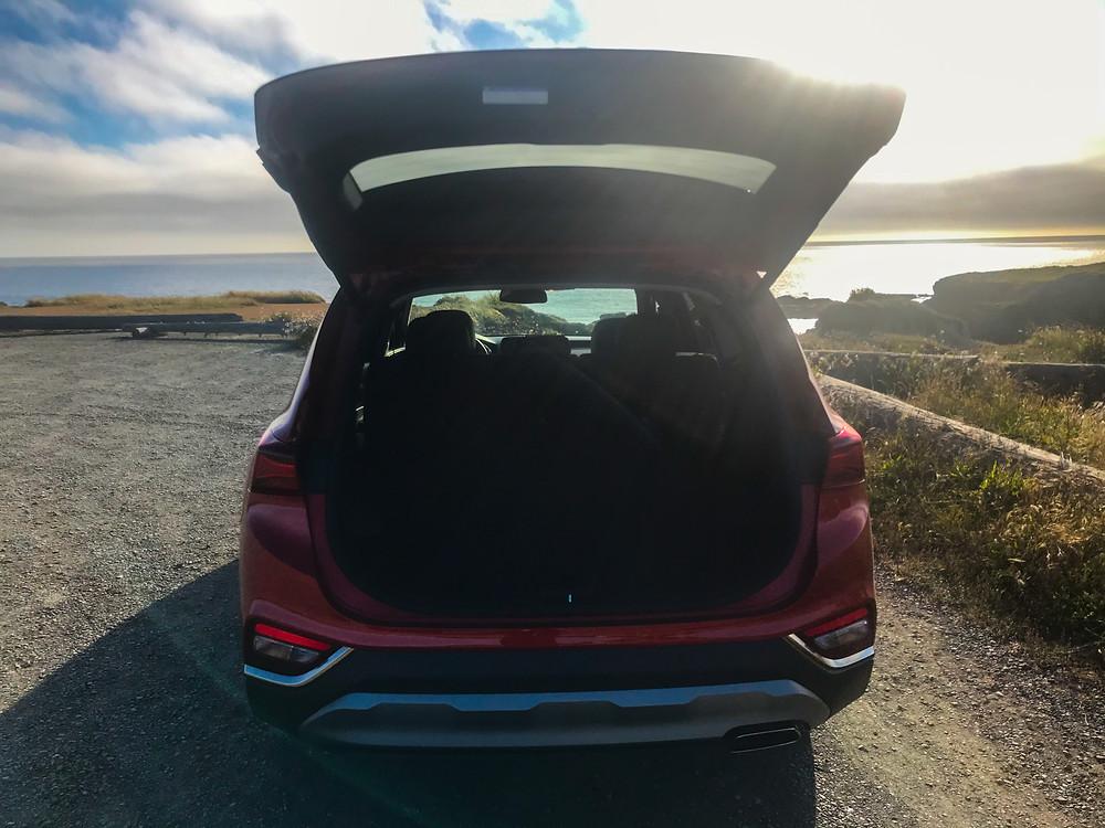 2020 Hyundai Santa Fe liftgate open