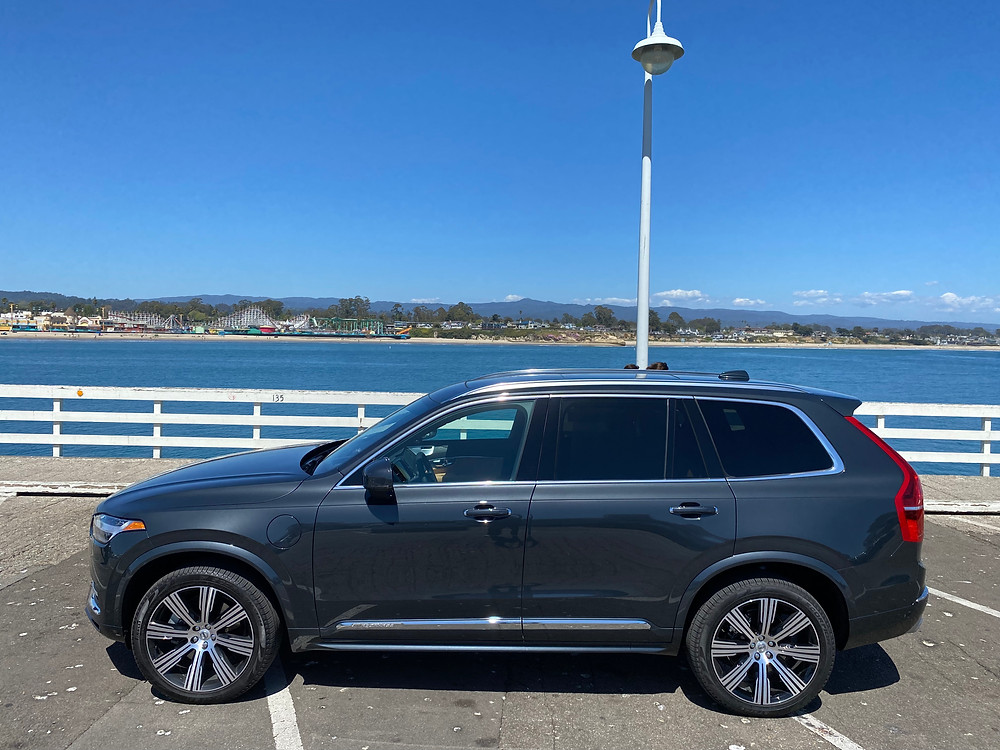 2021 Volvo XC90 Recharge T8 Inscription side view