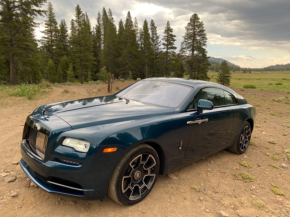 2020 Rolls-Royce Wraith Black Badge front 3/4 view