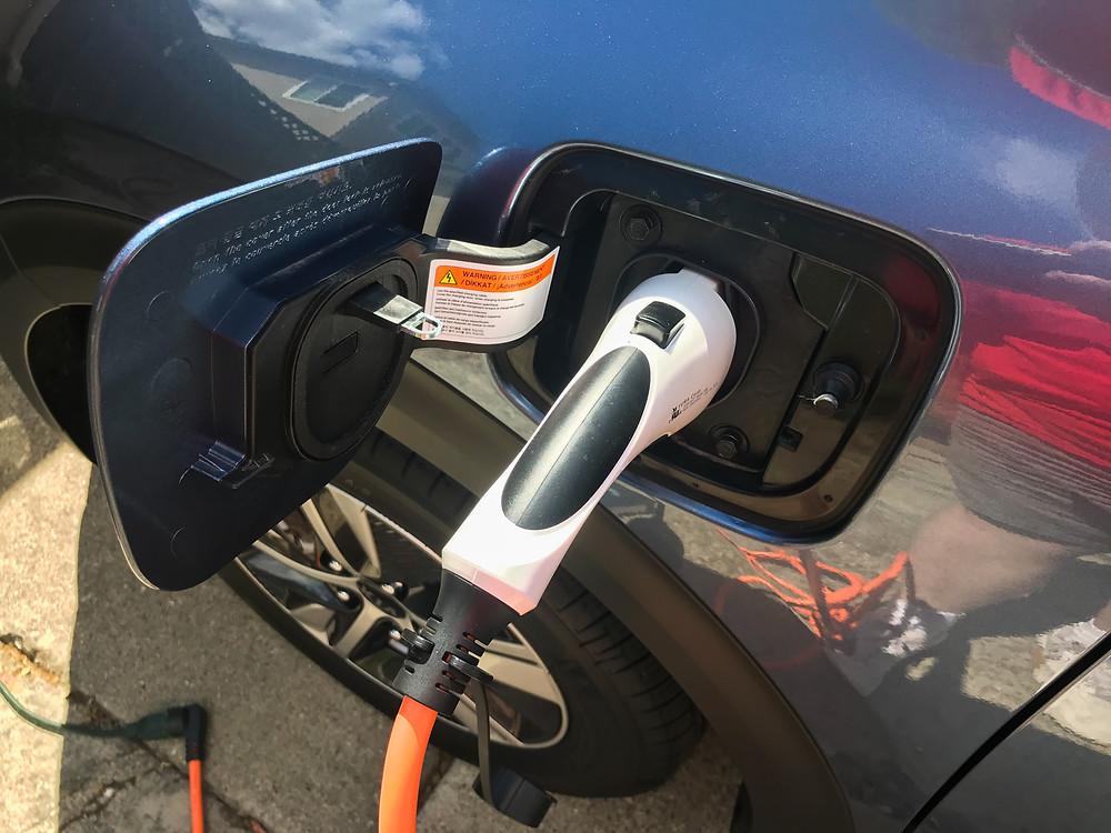 2020 Kia Niro PHEV EX Premium charging