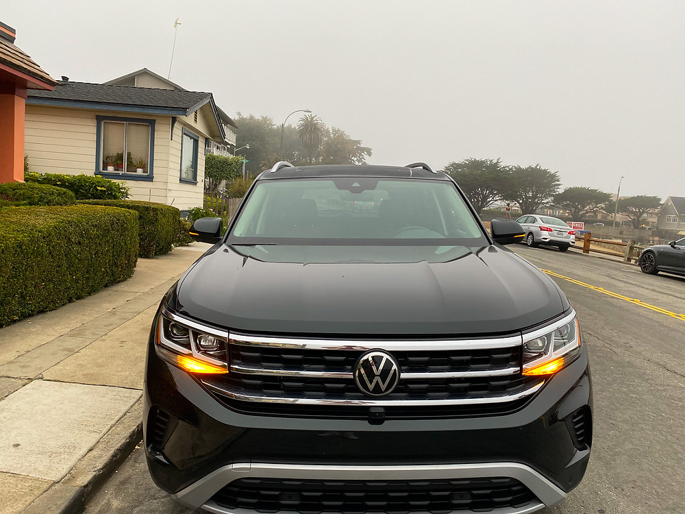 2021 Volkswagen Atlas V6 Premium front view