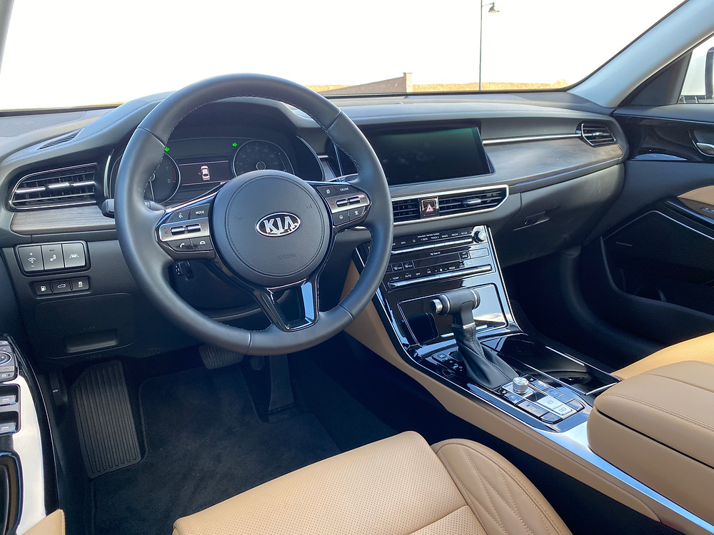 2020 Kia Cadenza Limited instrument panel
