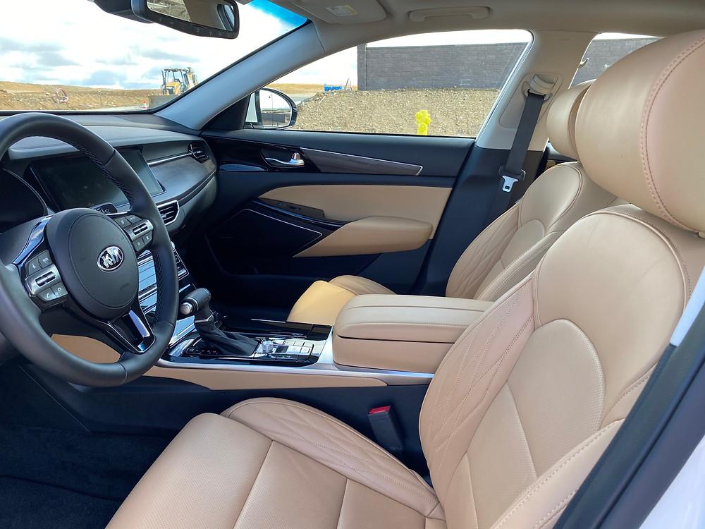 2020 Kia Cadenza Limited front seats